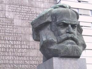 Stadt der Moderne - Karl-Marx-Kopf - Stadtführung